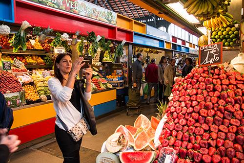 Erdbeerberg in den Markthallen