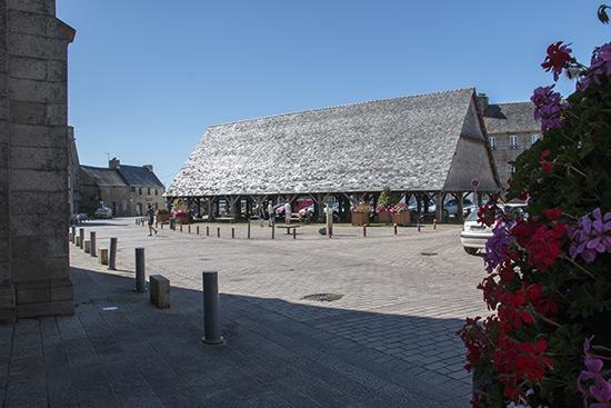 Mittelalterliche Markthalle in Plouesgat